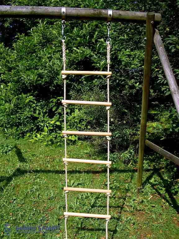 Strickleiter massiv mit zwei Aufhängungen